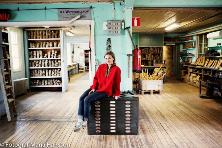 Julia Kalthoff på yxtillverkarföretaget Wetterlings i Storvik.